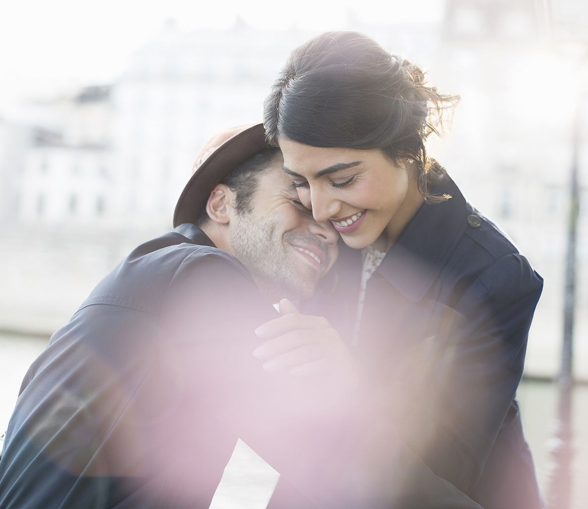 18 Signs a Man Wants to Be With You (And He Wants a Serious