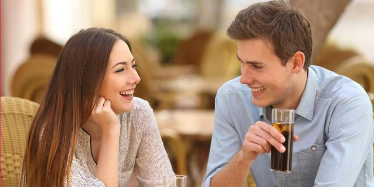 How to Never Run Out of Things to Say On a Date So The Conversation Keeps Flowing Easily