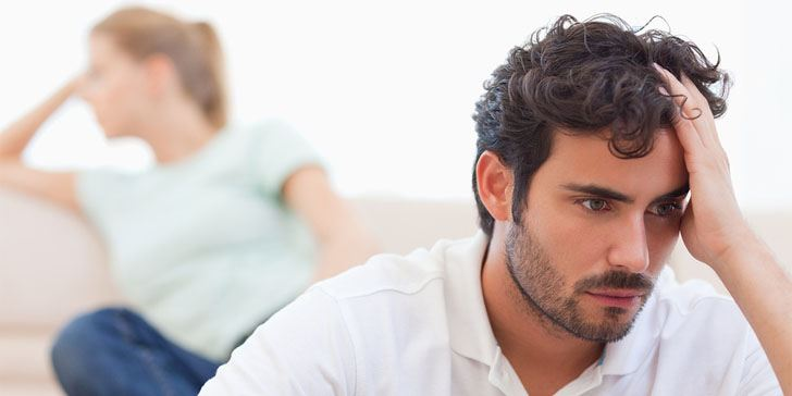 12 Definite Signs You're With an Emotionally Unavailable Man